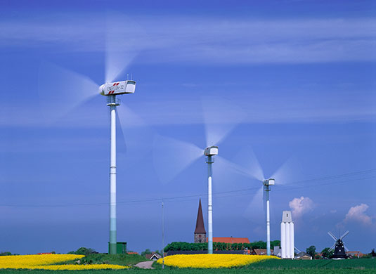 Wind-turbines-in-an-agric-008